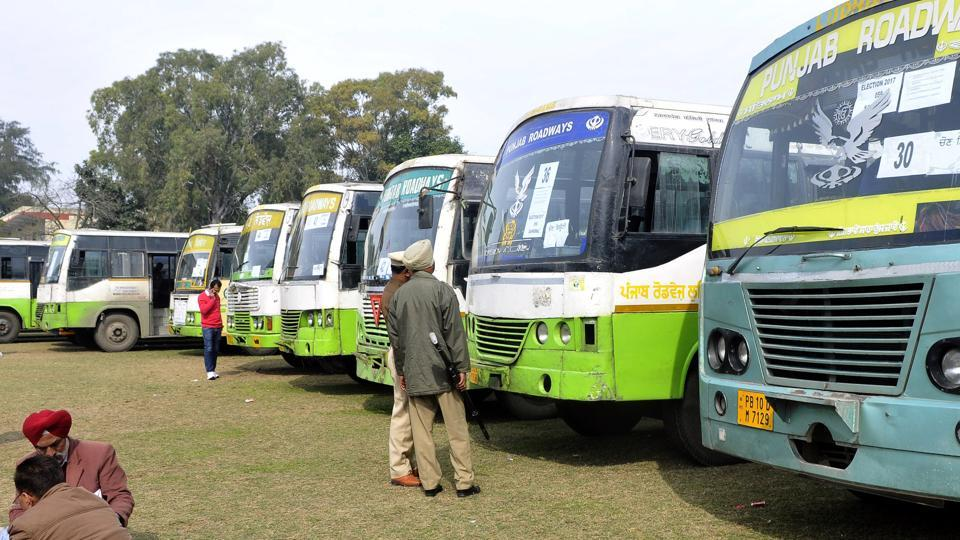 After assuming power, the Congress announced to take around 7,400 private buses off the road to make public transport more efficient.