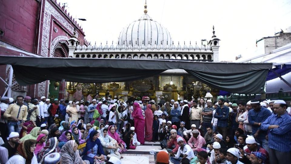 The six-day Urs of Dargah Ajmer Sharif festival is considered as one of the most sacred celebrations in Sufism. A Sufi saint of the Chishti order, Hazrat Khwaja Syed Nizamuddin Auliya is remembered on Urs and is celebrated with enthusiasm by thousands of pilgrims who throng his shrine in New Delhi during this festival. (Burhaan Kinu/HT PHOTO)
