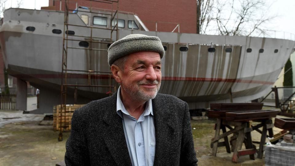 Homeless,Vessel,Father Boguslaw