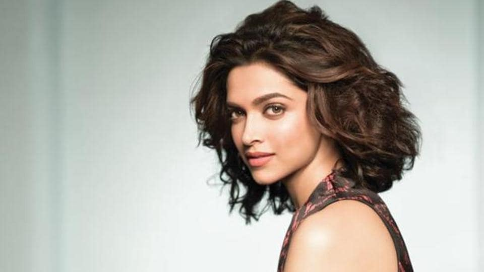 Deepika Padukone travelled to Chittorgarh on her own and walked around a lot of local places and historical sites.