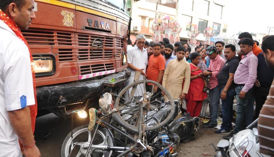 Ram Navami,truck accident,road mishap