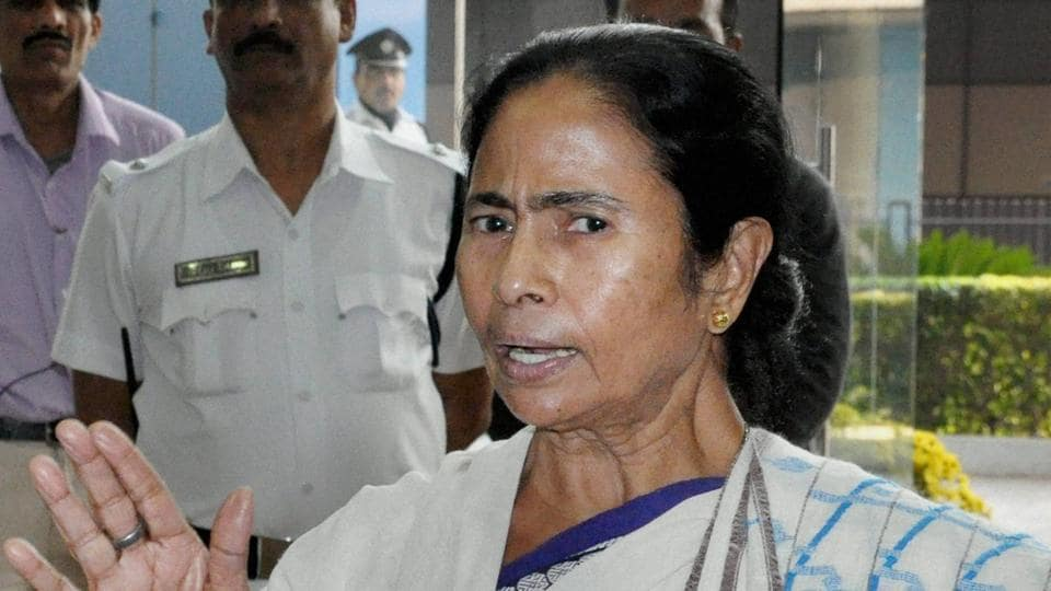 Kolkata: West Bengal Chief Minister Mamata Banerjee addresses a media conference at her office in Howrah nera Kolkata on Tuesday regarding the arrest of party MP Sudip Bandypadhyay in Rose Valley Chit Fund Case. PTI Photo (PTI1_3_2017_000194B)