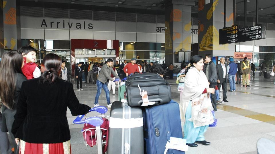Delhi airport,lost items at Delhi airport,CISF