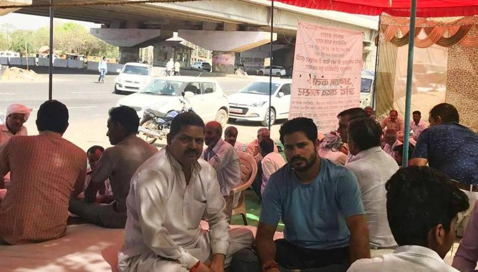 Manesar residents called off their six-day-long hunger strike to demand completion of an elevated flyover at IMT Chowk that has been in the making since 2011.