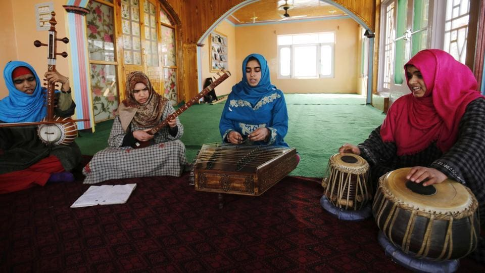 Over the years, political tensions have eroded Indian Kashmir's rich musical heritage. When an armed uprising against Indian rule broke out in 1989, public performances by artists suddenly stopped and cinema halls were closed and transformed into camps for government forces. (PARVAIZ BUKHARI / AFP)