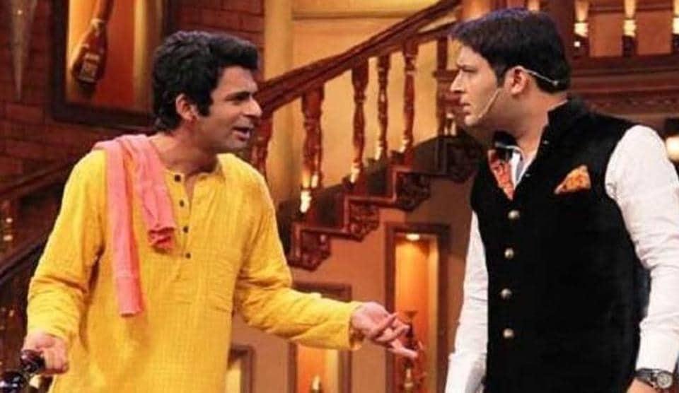 Sunil Grover and Kapil Sharma on The Kapil Sharma Show.