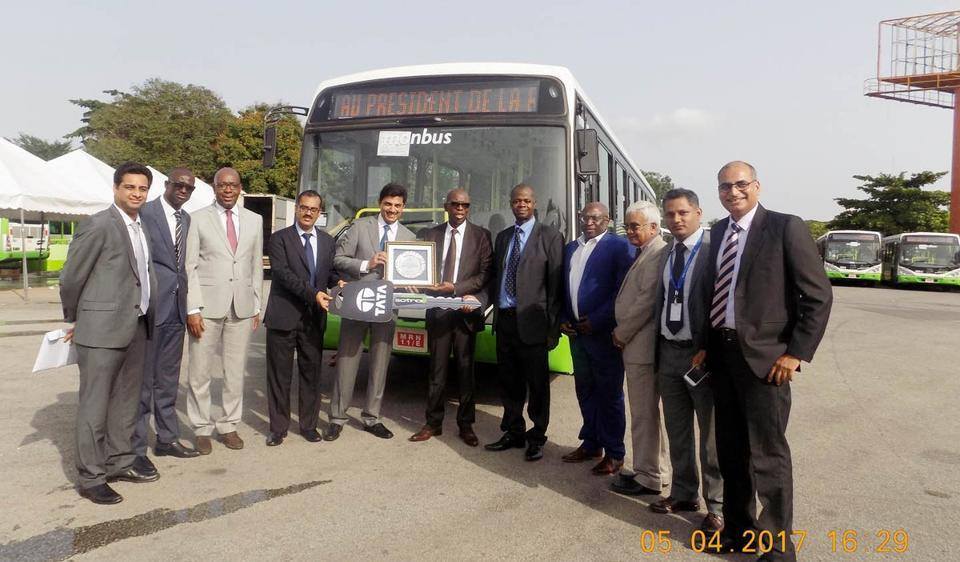 After having bagged an order for 500 new low-floor Urban city buses from the Ivory Coast, Tata Motors recently handed over the first lot of 117 buses to SOTRA Abidjan Transport Company in Côte d'Ivoire's economic capital, Abidjan.