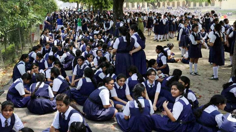 The state government has also decided to come up with guidelines to curtail exorbitant school fees charged by private schools and colleges.