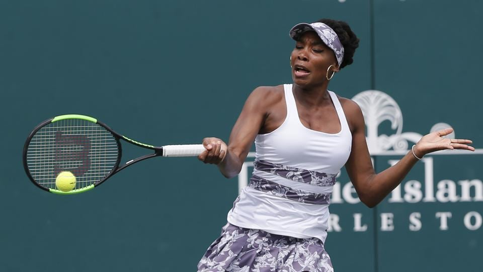 Venus Williams was the biggest casualty in the WTA Charleston Open as she suffered a 6-4, 6-7 (3/7), 7-5  loss to Laura Siegemund.