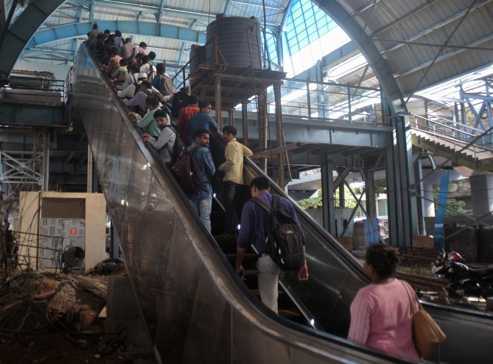 Pune,railway station,escalators