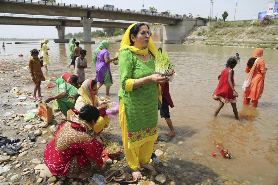 Rivers in India are worshipped as holy places by millions of pilgrims. But due to certain rituals and practices, pilgrimages have become on of the major causes of river pollution in India. (hanni Anand / AP)