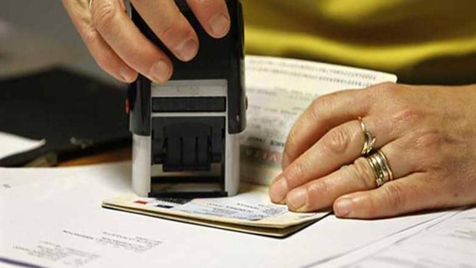 US Citizenship and Immigration Services (USCIS) on Friday announced an early end of the process for accepting applications for H-1B temporary work visas for high skilled foreign workers for 2018.