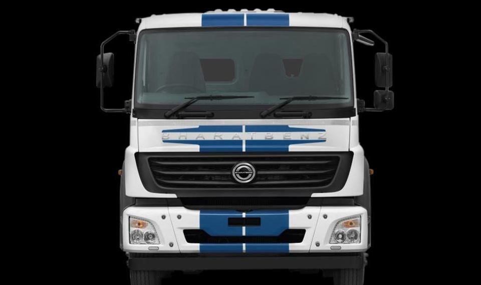 Daimler India Launches Bs Iv Compliant Bharatbenz Trucks With No
