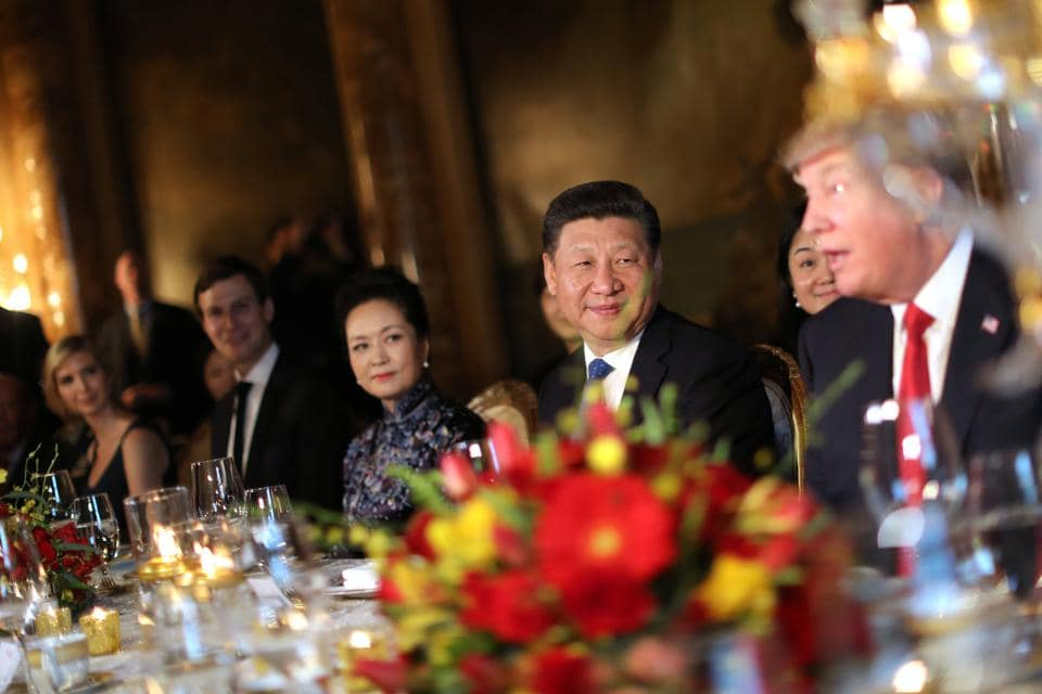 Chinese President Xi Jinping and First Lady Peng Liyuan attend a dinner hosted by U.S. President Donald Trump. On trade, U.S. labour leaders say Trump needs to take a direct, unambiguous tone in his talks with Xi. (Carlos Barria/REUTERS)