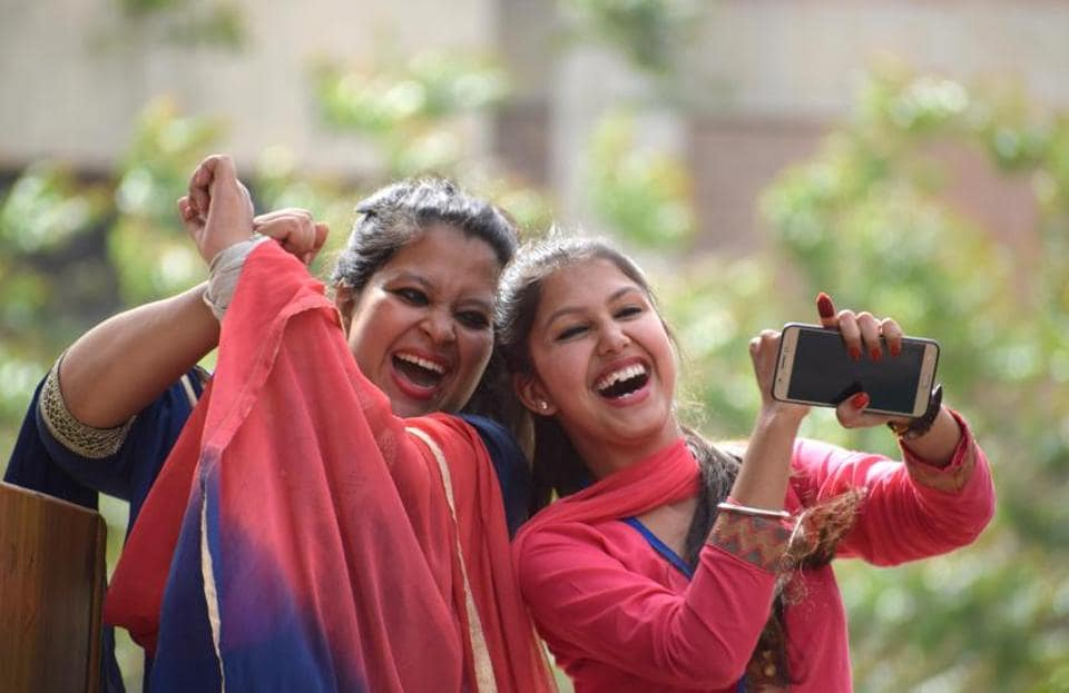 Students clicking a selfie at the inter-college cultural fest at GNDU regional centre in Jalandhar on Friday, April 7. (Sikander Singh Chopra/HT)