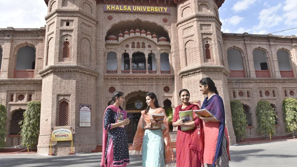 Punjab chief minister Capatain Amarinder Singh,Khalsa College Governing Council,Khalsa University Act