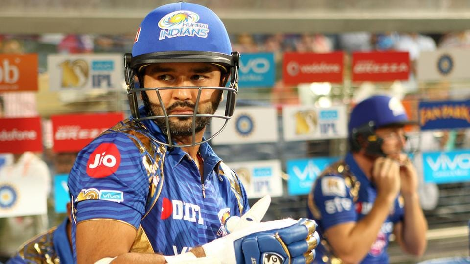 Parthiv Patel (L) and Jos Buttler get ready to open the batting for Mumbai Indians of the Mumbai Indians.