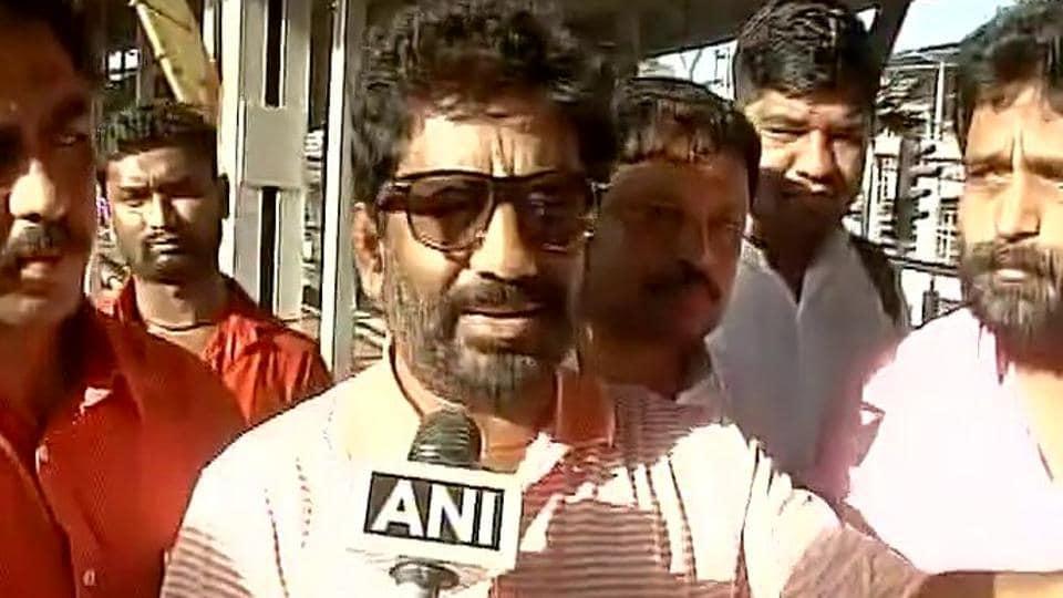 Shiv Sena MP Ravindra Gaikwad allegedly thrashed an Air India official.