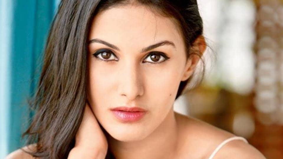 Amyra Dastur made her Bollywood debut opposite Prateik Babbar in Issaq.