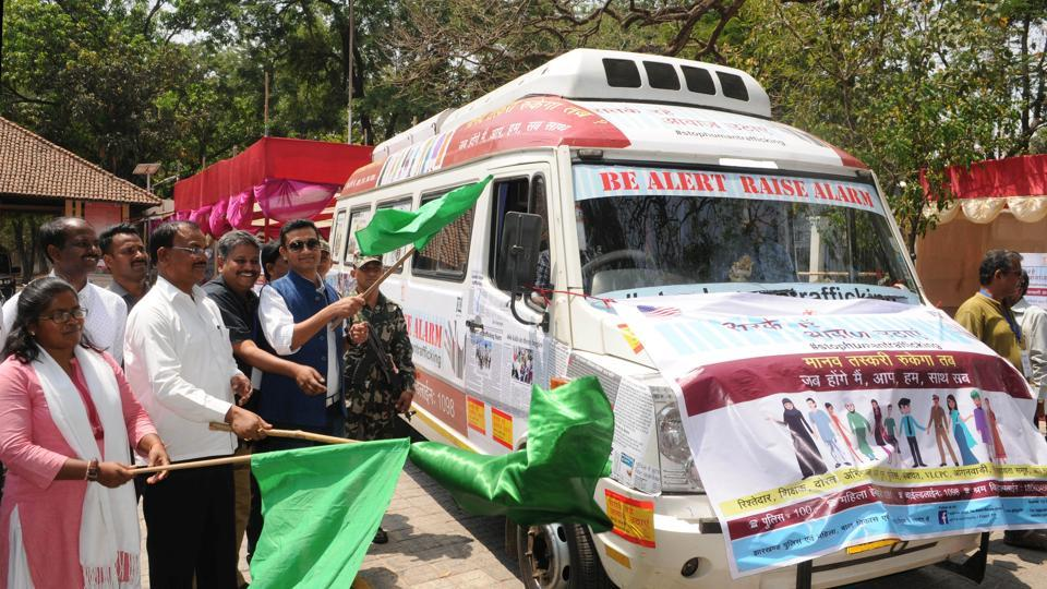 Jharkhand assembly Speaker Dinesh Oraon flags off anti human trafficking caravan during the programme