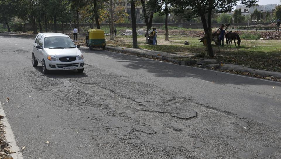 SAS Nagar,potholes,recarpeting