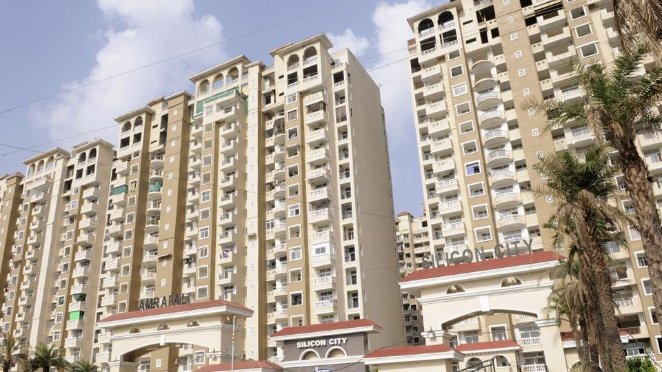 Amrapali Silicon City is among those faced with issues.