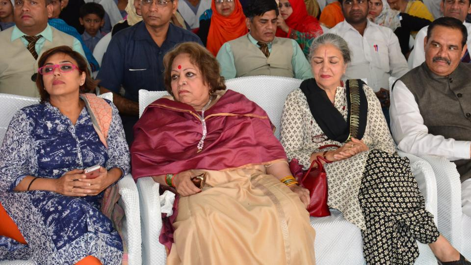 Vice President Hamid Ansari's wife Salma Ansari (second from left) at an event in Aligarh on Sunday.