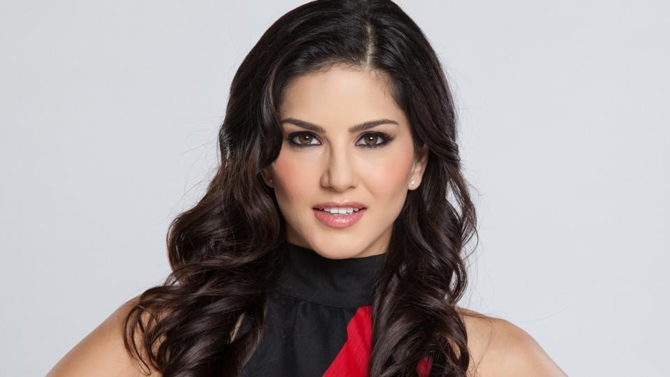 Sunny Leone Has Hired Aamir Khans Acting Coach To Help Her Become A Better Actor