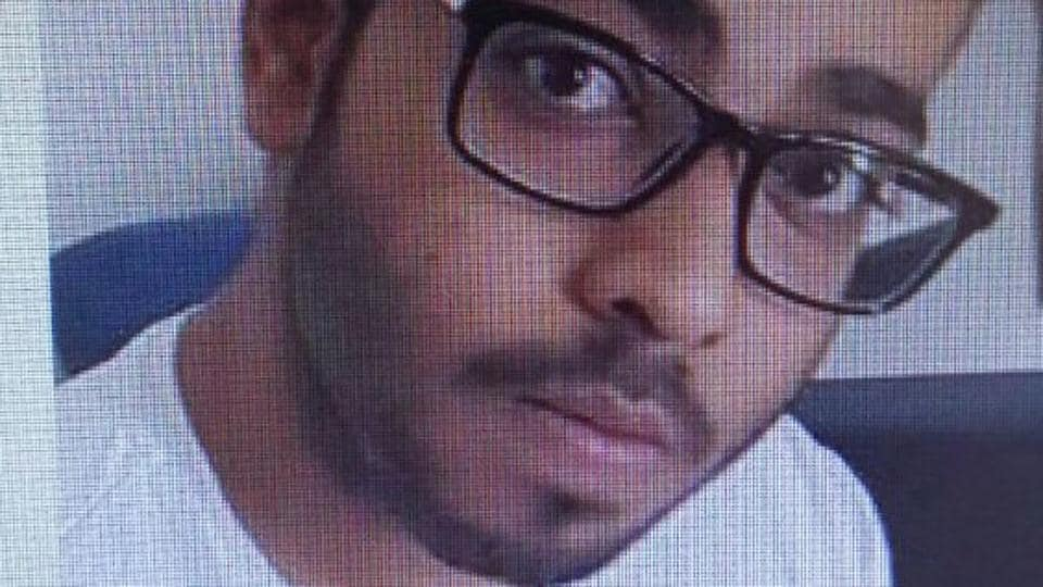 Police suspect that Thakkar was worried about being deported to America, where the US district court, South district of Texas, Houston, has issued a warrant against him.