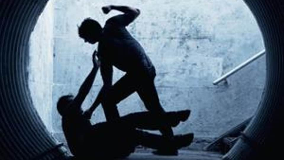 Two hotel workers fought over Rs 30 which they got as tip.