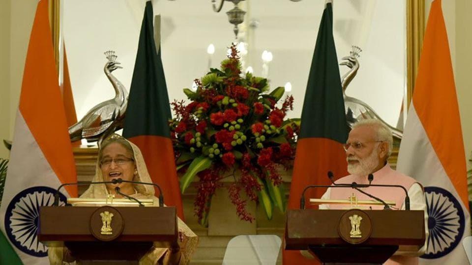 Bangladesh Prime Minister Sheikh Hasina and Indian PM Narendra Modi addressing a press conference