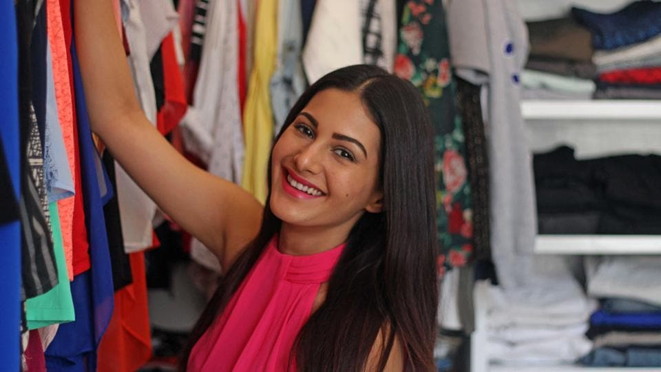 Actor Amyra Dastur, who made her Bollywood debut with Issaq in 2013, likes to keep her fashion sense easy and comfortable. (Satyabrata Tripathy/HT Photo )