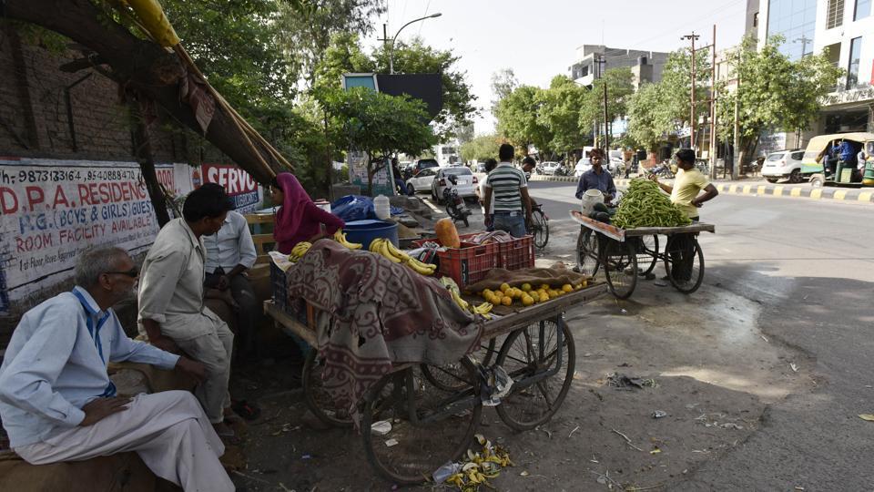 Noida,hawkers,vendors