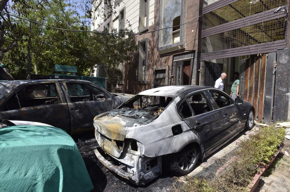 Gurgaon,fire,BMW
