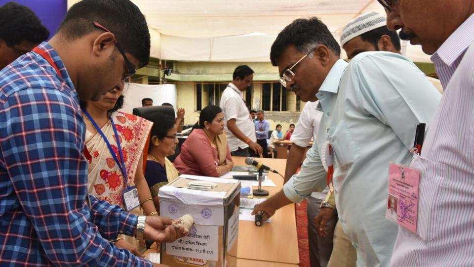 The Centre has agreed to amend election rules to make compulsory for a candidates to declare his/her incomes along with those of his or her spouse and dependents while filing nomination papers.