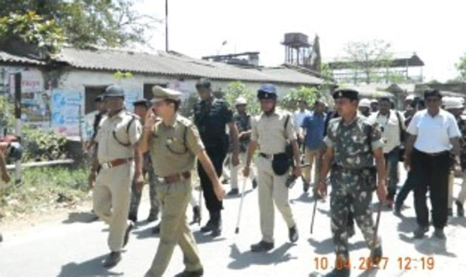 East Champaran superintendent of police Jitendra Rana patrolling the streets after police fired in the air to quell a mob in Motihari on Monday.