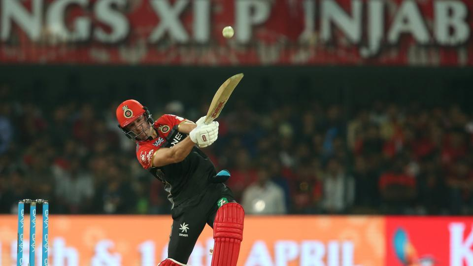 AB de Villiers notched up his 22nd fifty as RCB mounted a fightback. (BCCI)