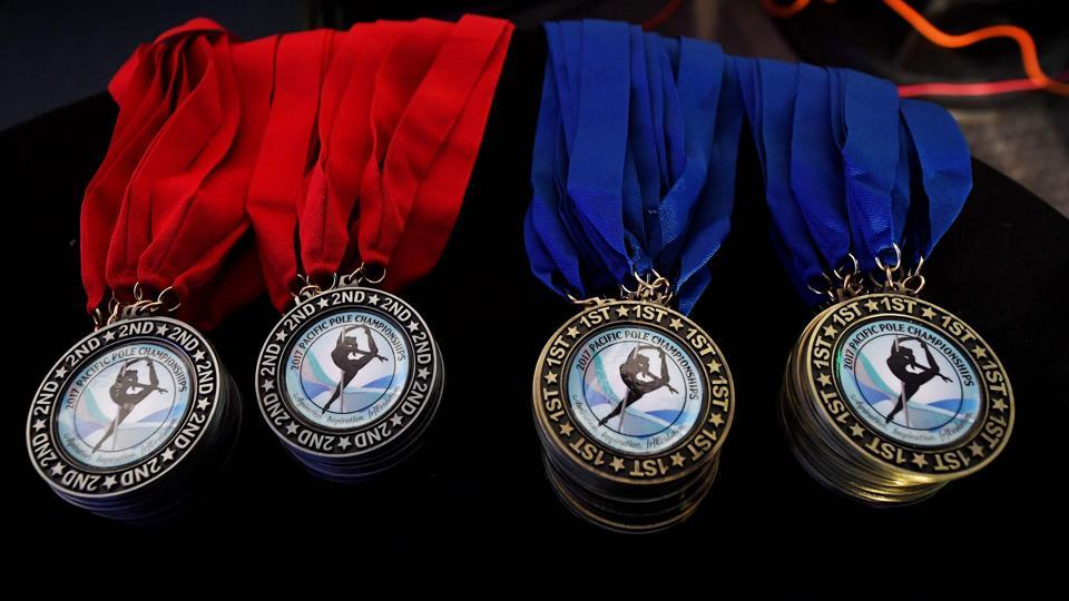 Medals displayed during  the 2017 Pacific Pole Championships. (Mark RALSTON/ AFP)