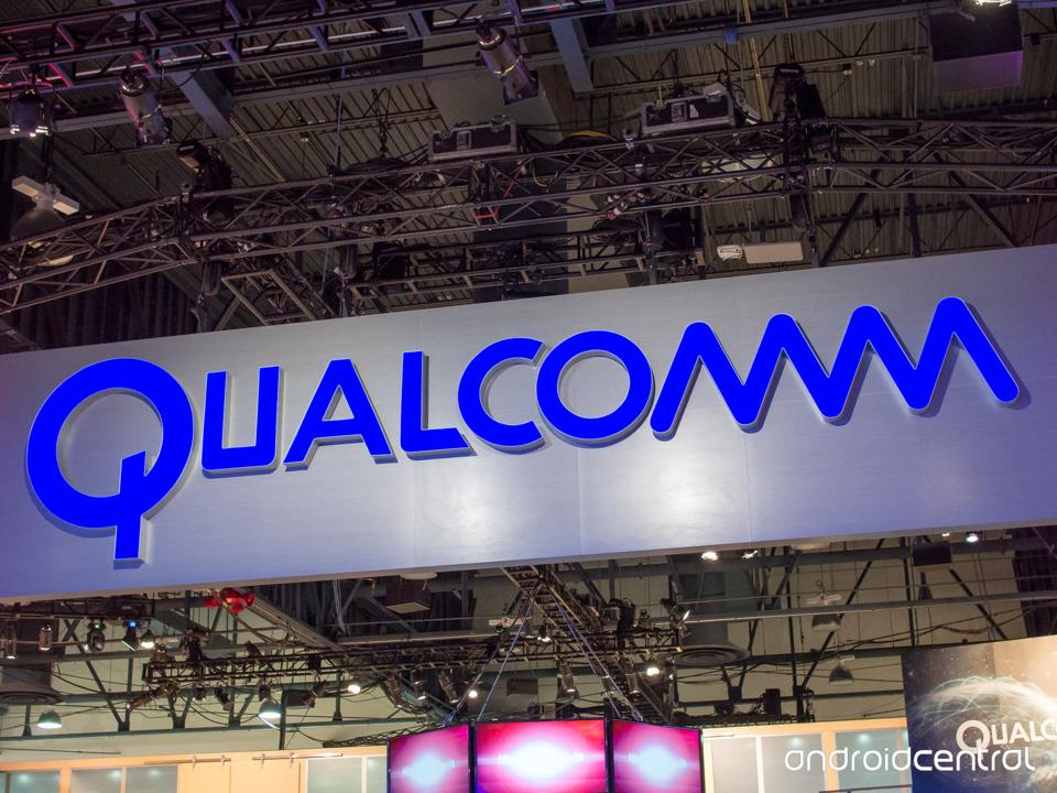Chip-maker Qualcomm has accused iPhone-maker Apple of breaching a deal between two companies.