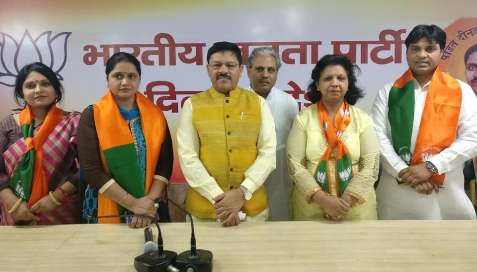Twinkle Kalia (Kishanganj), Amrita Rashmi (Bapraula), Gulfam (Abul Fazal Enclave), Rahul Singh (Vinod Nagar), and Lata Soni (Lado Sarai) are being supported by the BJP.