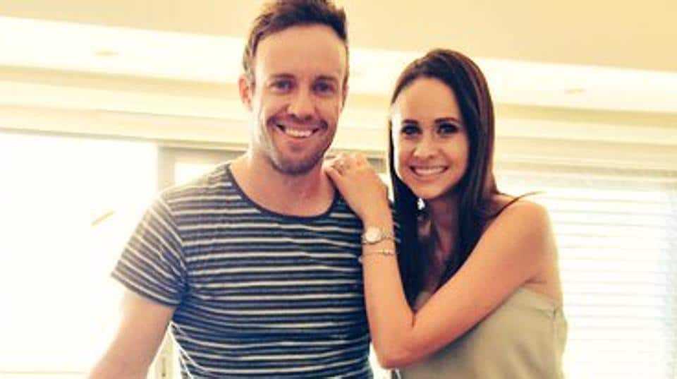 AB de Villiers (L) said his wife Danielle's word of confidence helped him make a spectacular comeback during the IPL 2017 match between Kings XI Punjab and Royal Challengers Bangalore.