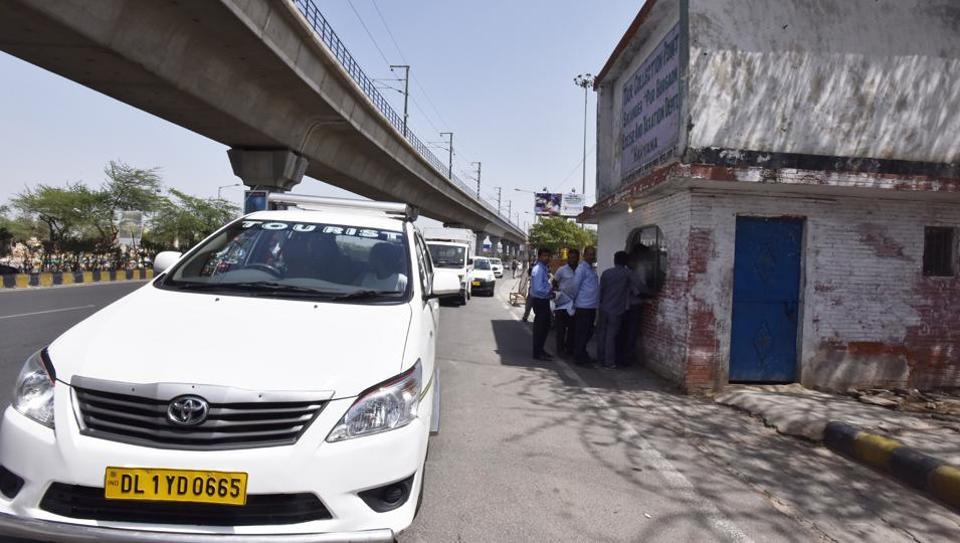 Cab drivers,protest,Delhi Gurgaon border