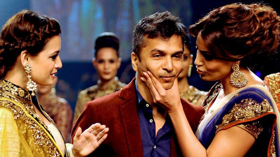Vikram Phadnis is a popular fashion designer who has worked with many A-listers from Bollywood.