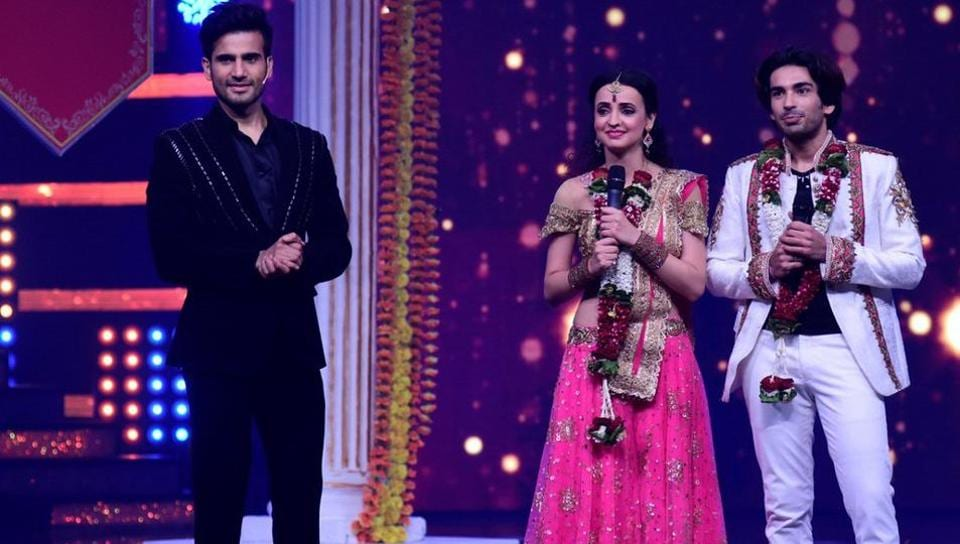Sanaya and Mohit are one of the cutest couples on the show.