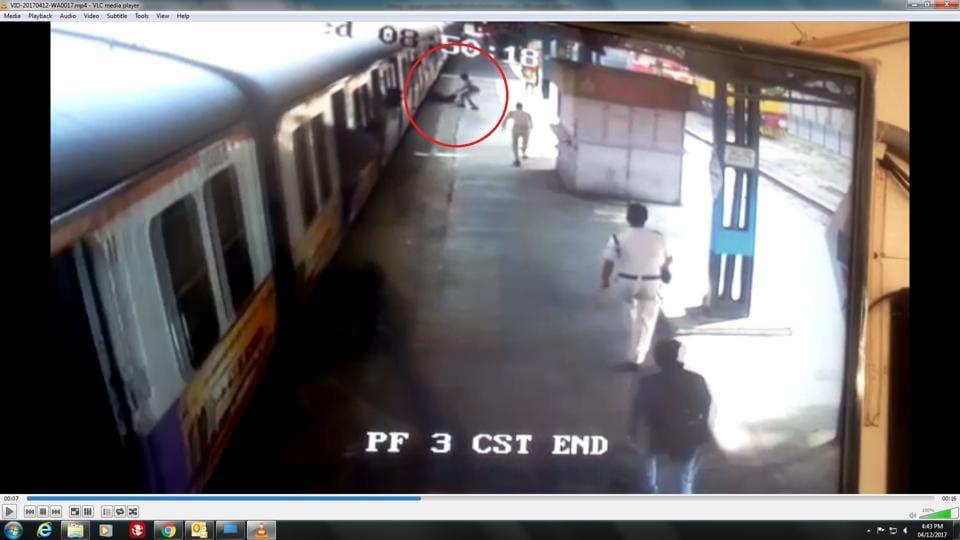 Mumbai,local,train