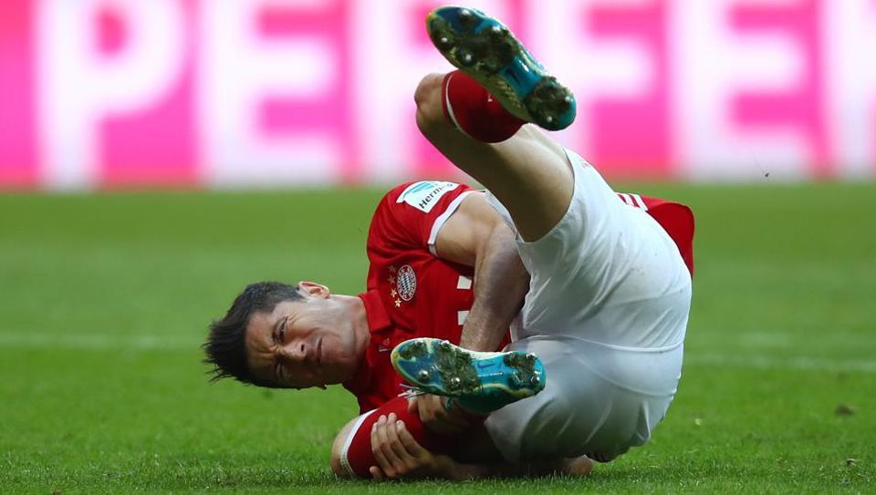 Bayern Munich's Robert Lewandowski picked up an injury during their match against Borussia Dortmund.