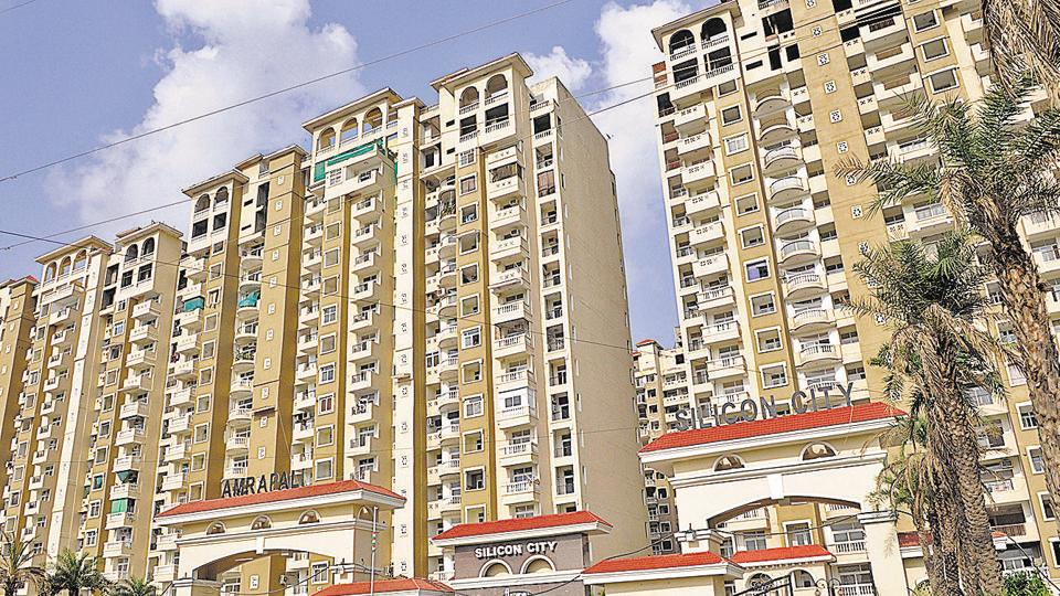 In a meeting with the realtor and the Noida authority officials at Indira Gandhi Kala Kendra in Sector 6, homebuyers  alleged that the builder diverted funds collected from them to other projects, which has delayed Silicon City.