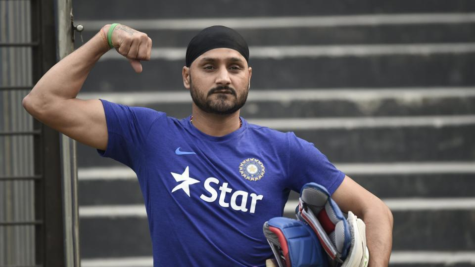 ‪ICC Champions Trophy‬,‪International Cricket Council‬‬,Harbhajan Singh