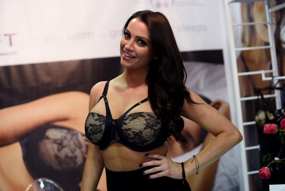Clovia raises money,lingerie startup,online lingerie
