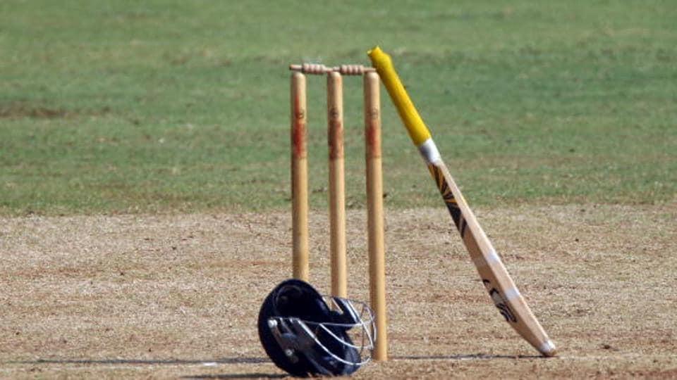 Sujon Mahmud,Cricket umpiring blunder,Cricket umpire protest